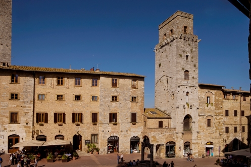 Piazza della Cisterna 1